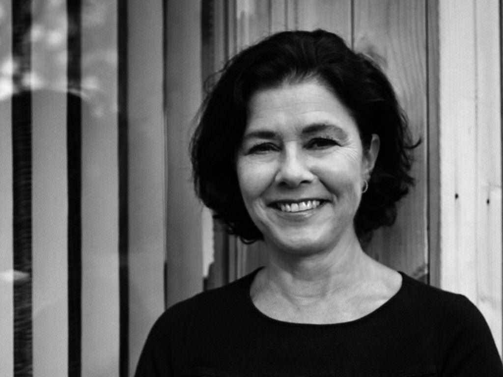 Pati Núñez, diseñadora española especialista en imagen corporativa, imagen de producto y campañas de comunicación gráfica.