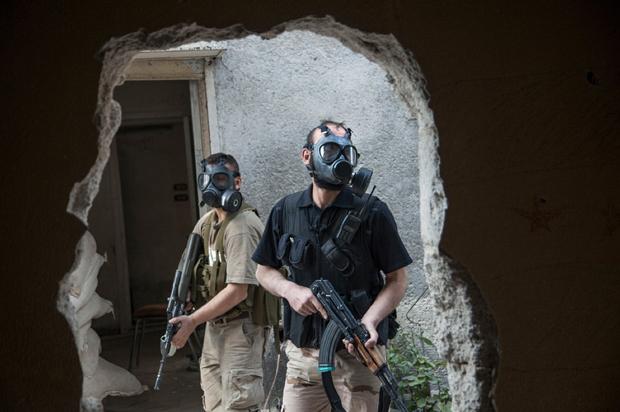 Laurent Van der Stockt, reportaje uso de máscaras de gas en Siria