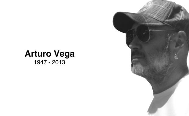 Arturo Vega, diseñador del logo y amigo de los Ramones
