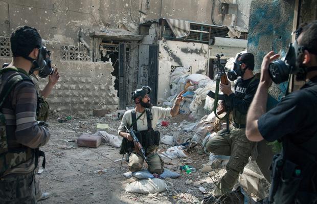 Laurent Van der Stock, premio Visa d'Or News por su reportaje sobre el supuesto uso de armas químicas en Siria