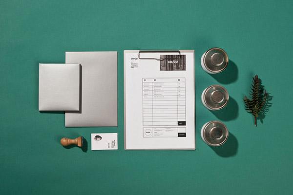 Co/Co, identidad visual y elementos de papelería diseñados por Tatabi Studio