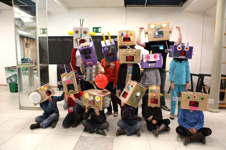 1Teresa Papaissue …For Kids, talleres de creatividad para poner niños en órbita