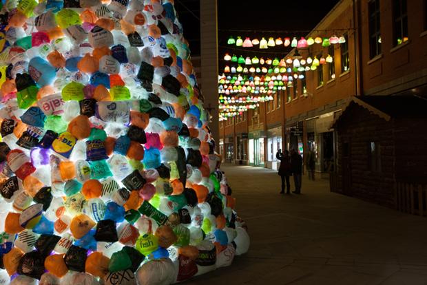 Luz Interruptus, árbol navidad anticonsumista