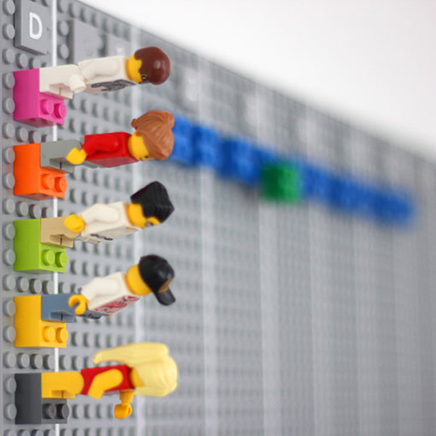 Calendario LEGO, Vitamins Studio