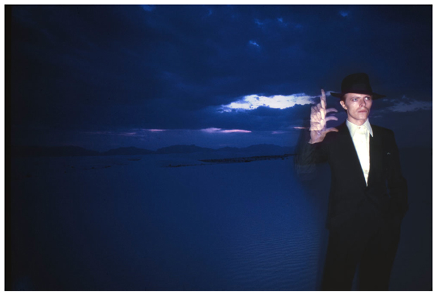 00 Brian Duffy WhiteSands 1975 Bowie Bowie Series. Todas las caras del rey del glam retratadas por Brian Duffy