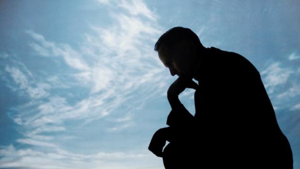 'El pensador' de Rodin, fotograma spot The Sunday Times