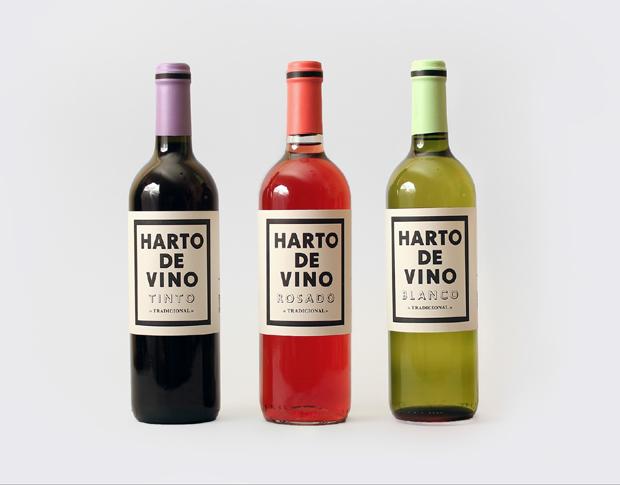 Diseño de las etiquetas para las botellas de vino de la marca Harto de vino