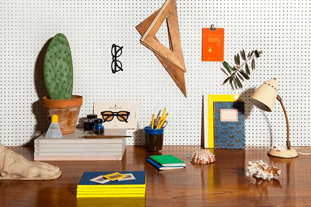 Papelería diseñada en Octoevo, estudio fundado por Marcel Baer