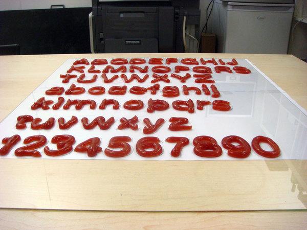 Fresh Font, alfabeto creado con Kétchup