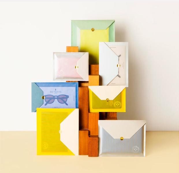 Serie de piezas de papelería diseñadas en Octaevo