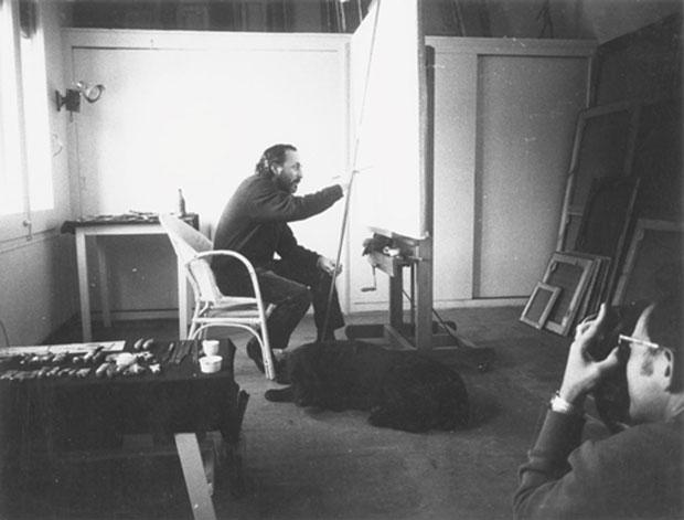 Toni Vidal fotografiando a Joan Ponç