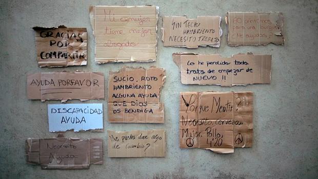 Cartones con diferentes caligrafías