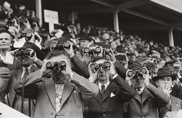 Henri Cartier-Bresson – antropólogo social – en las carreras