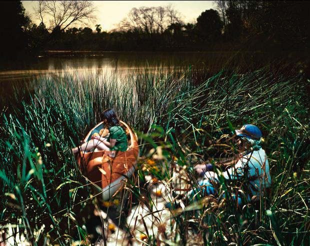 La Creciente – Alejandro Chaskielberg, fotografías bajo la luz de la Luna