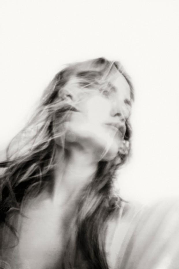 Sofía Santaclara, astígmata –  expo de fotografía en blanco y negro