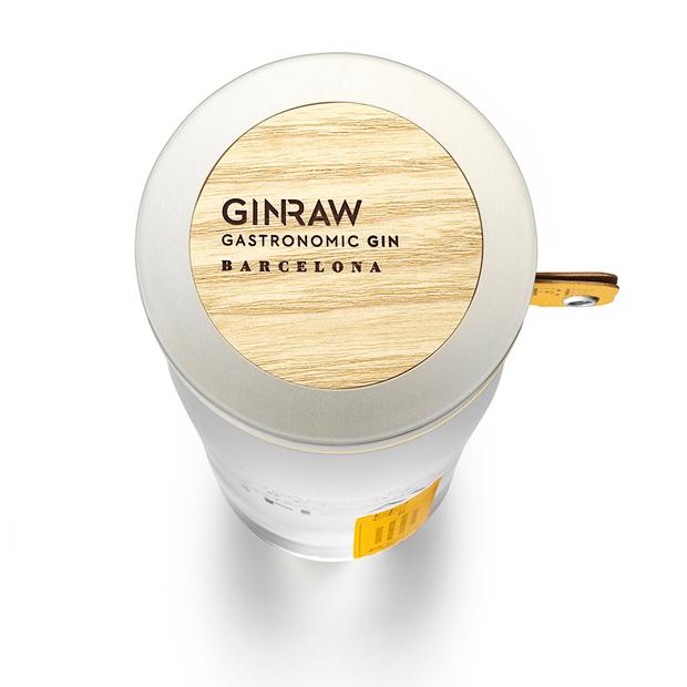 Ginraw, ginebra de autor que reúne la tradición y vanguardia de Barcelona