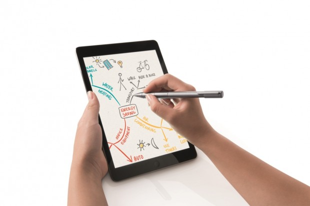 lápices digitales – bamboo stylus fineline_with ipad