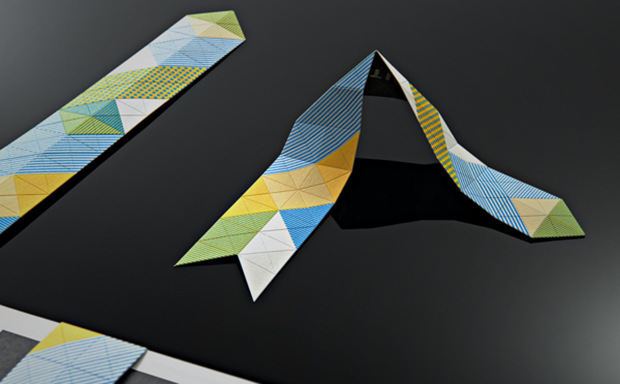 Marcador de páginas realizado en papercut
