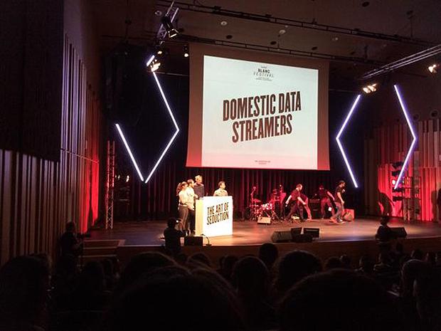 Domestic Data Streamers en el Blanc Festival