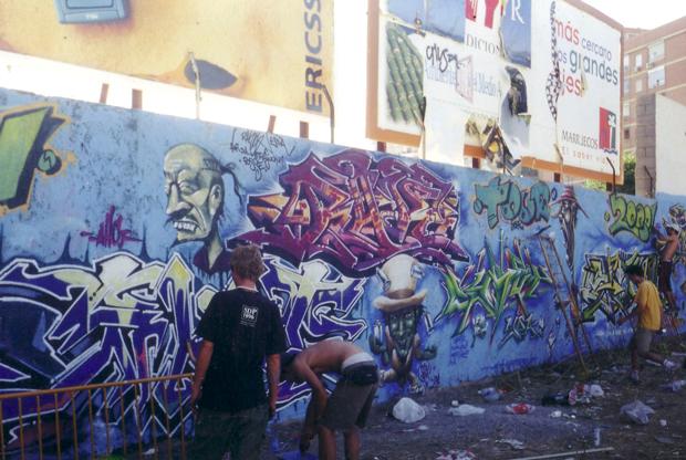 Escenas de graffiti en Granada