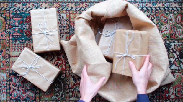 Felicitación de Navidad al estilo Wes Anderson de Meneo estudio