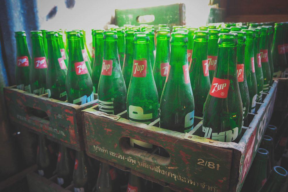 Botellas de Seven Up – fotografías de objetos vintage en descarga gratuita