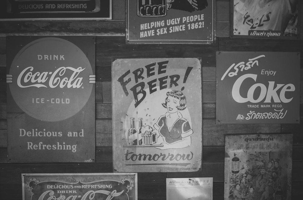 Carteles de refrescos vintage – fotografías de objetos retro-vintage en descarga gratuita
