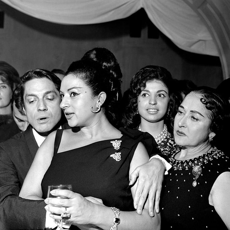 Lola Flores fotografiada por Juana Biarnés. La primera mujer fotoperiodista de España