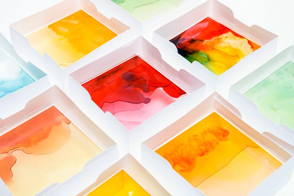 Light Boxes o el arte que nació de ositos de gominolas
