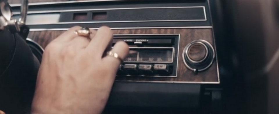 The Singing Hitman un corto de Josh Penn Soskin