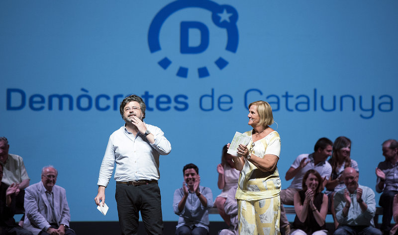 Bardcelona  .Acte dels crítics d'Unió per anunciar que funden un nou partit i entrevista a un dels seus líders, l'Antoni Castellà.