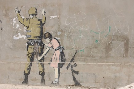 Banksy: «They are The Advertisers and they are laughing at you»