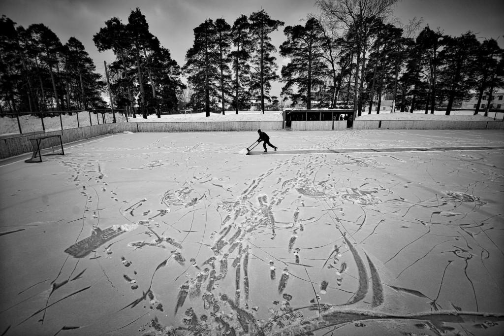 Vetluga's Hockey, por Vladimir Pesnya. Primer premio en la categoría de Deporte - Historias.