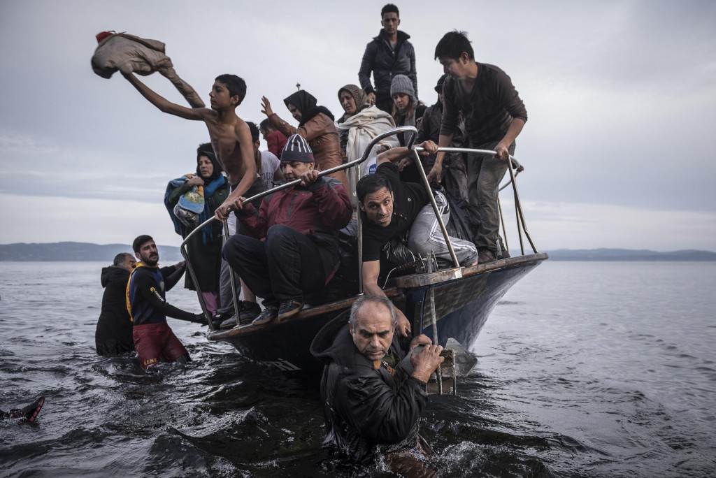 Reporting Europe's Refugee Crisis, por Sergey Ponomarev. Primer premio en la categoría Noticias Generales - Historias.