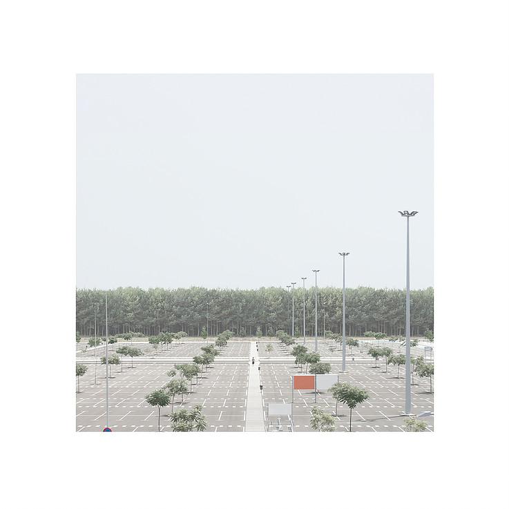 Fotografía como crítica social: 'Una deriva absurda', de Bernat Ivars