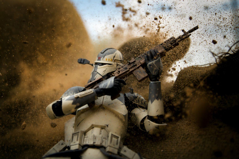 escenas de combate con figuras de Star Wars