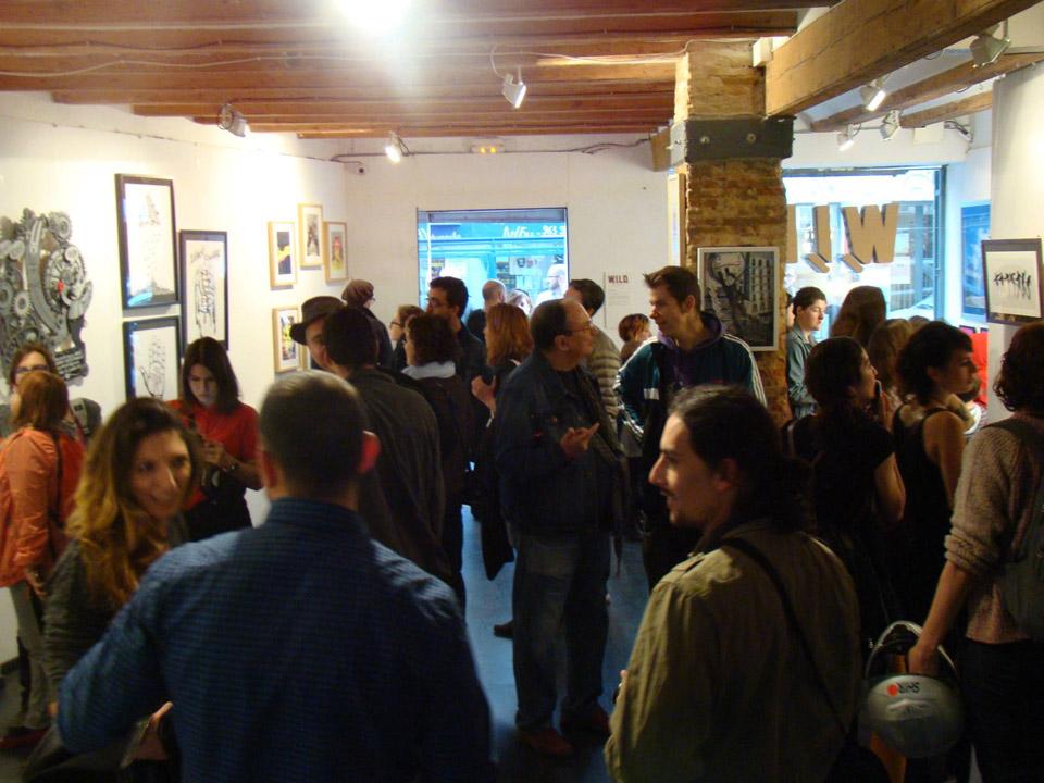 Explosión creativa de Bakea y Ana Illueca en WILD, el centro de trabajo hecho galería de arte