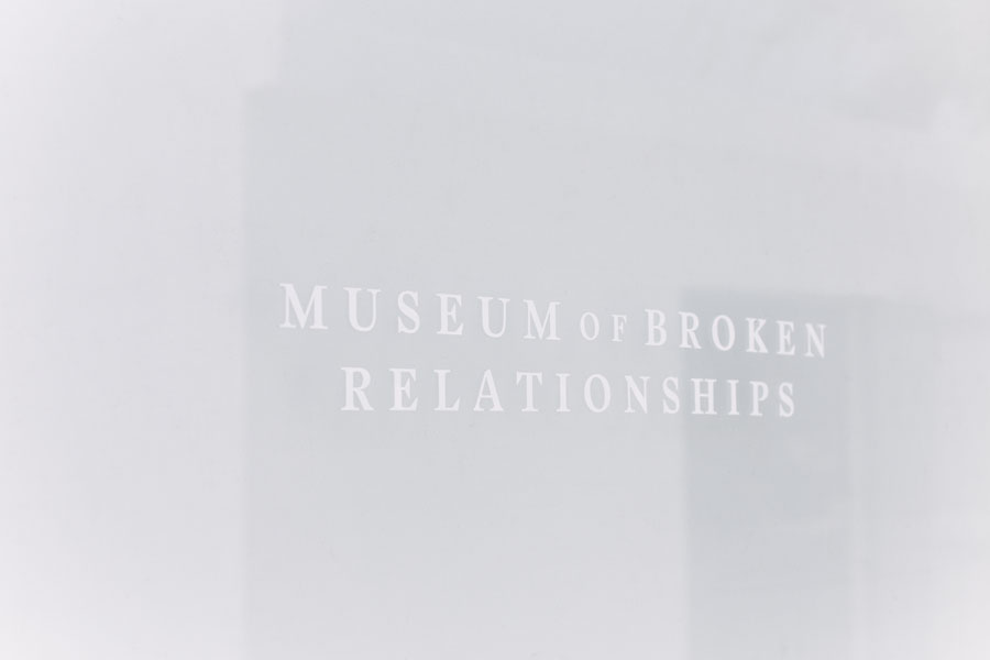 Un branding emocionalmente delicado para The Museum of Broken Relationships, por Savvy