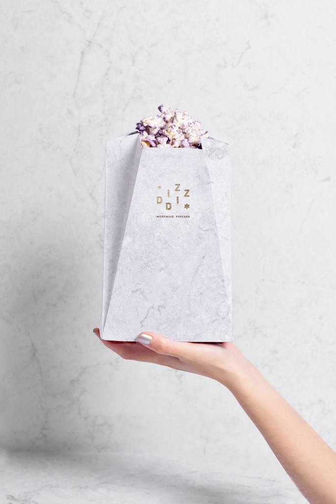 packaging con palomitas lilas