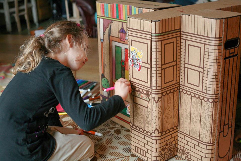 Brum Box - Niña pintando1