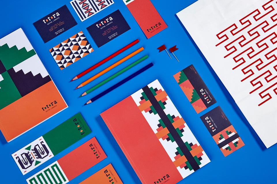 nueve-estudio_totora02 - imagen de marca de una gastro-librería