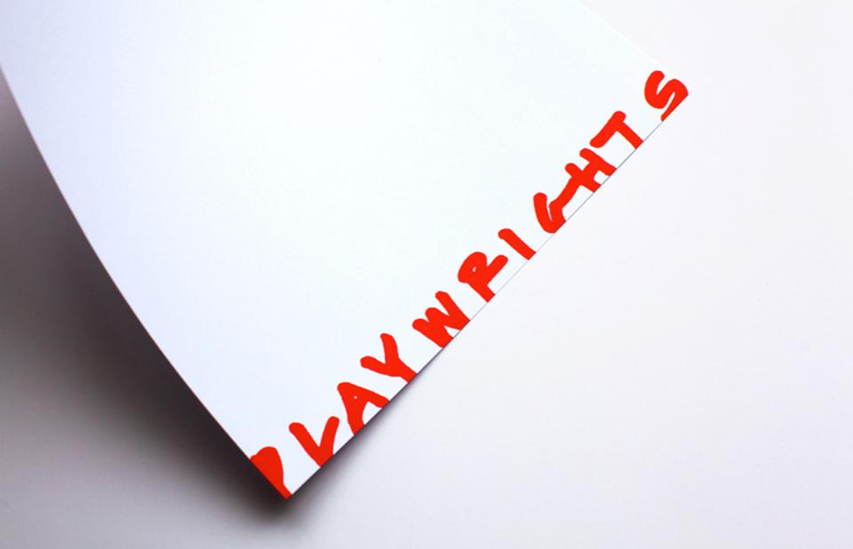En cada pieza de la institución aparece aleatoriamente uno de los ocho logotipos de Playwrights. - 1