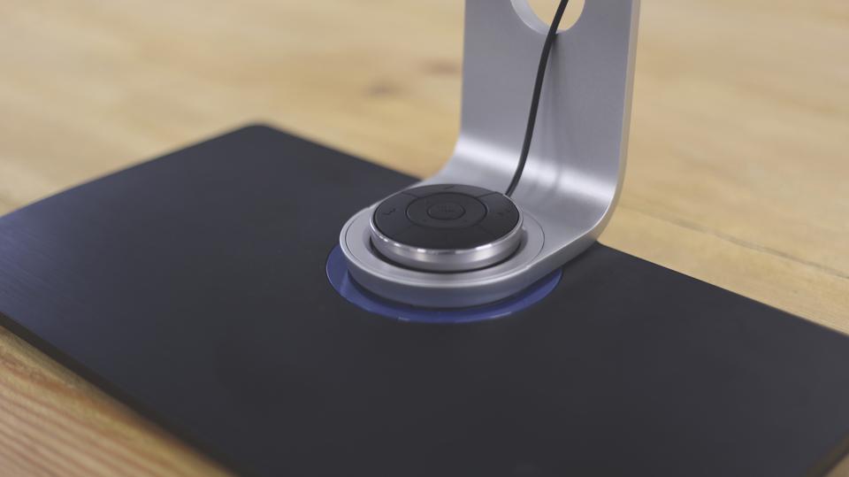 BenQ BL3201pt ¿El monitor para los diseñadores? -detalle de pie