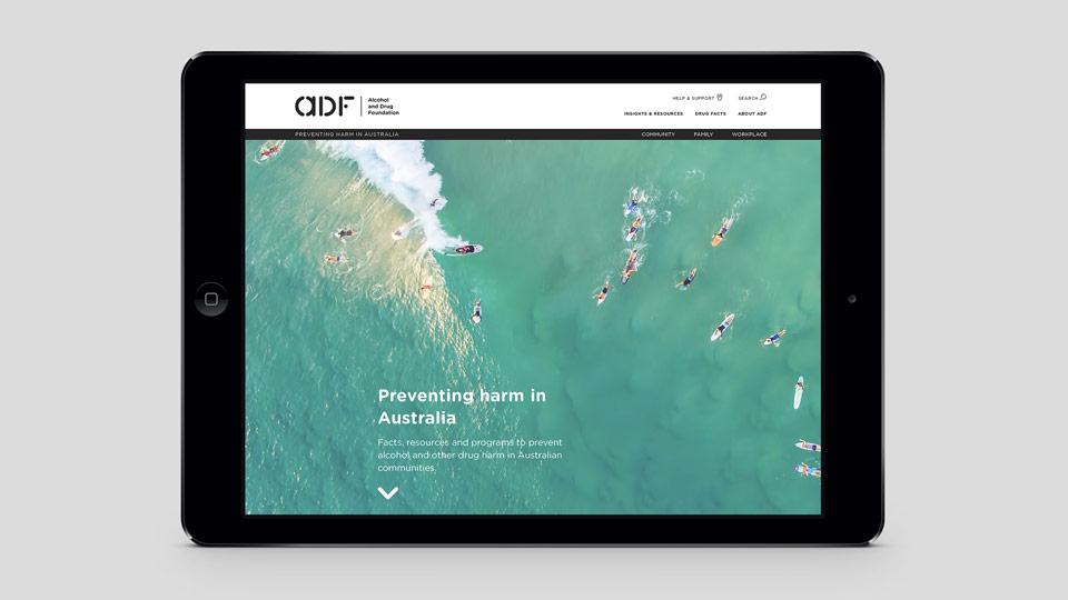 La identidad de la Fundación Australiana contra la droga rediseñada por Saffron - web