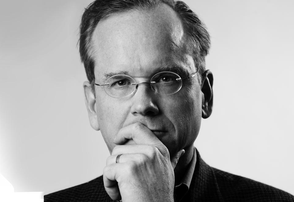 Leyes que ahogan la creatividad, por Lawrence Lessing