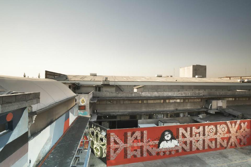 Panorámica del mural 'Del Barrio' de Said Dokins y Lapiztola