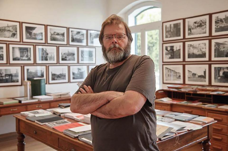 Simon Esterson