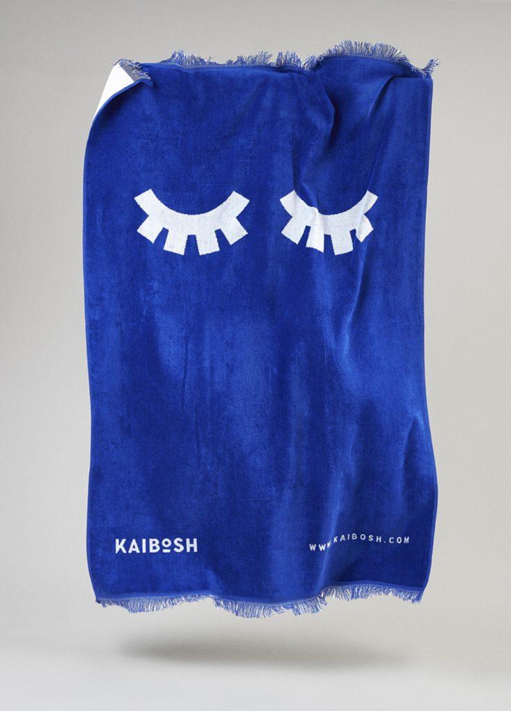 El símbolo simétrico de Kaibosh está diseñado con un trazo grueso que le aporta personalidad.