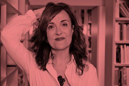 «Escribir no es solamente sentarte delante de la página en blanco», Elvira Lindo