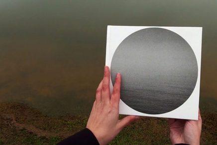 Lia Pina nos invita a encontrar a nuestro salvaje interior en la era de internet en su nuevo fotolibro